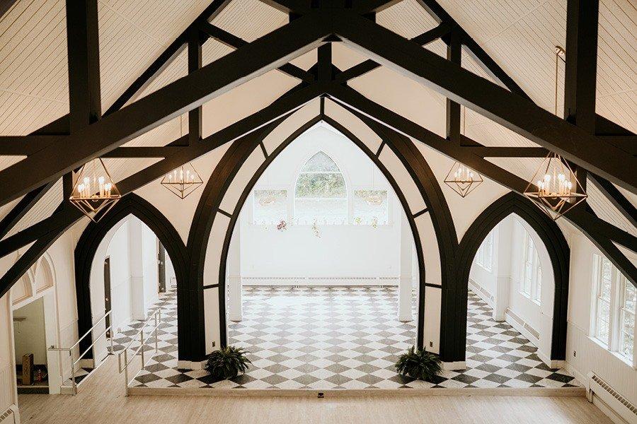 Ceremony room at Pocono Palms